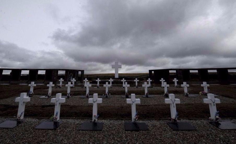 El Gobierno confirmó que son 89 los caídos identificados en Malvinas