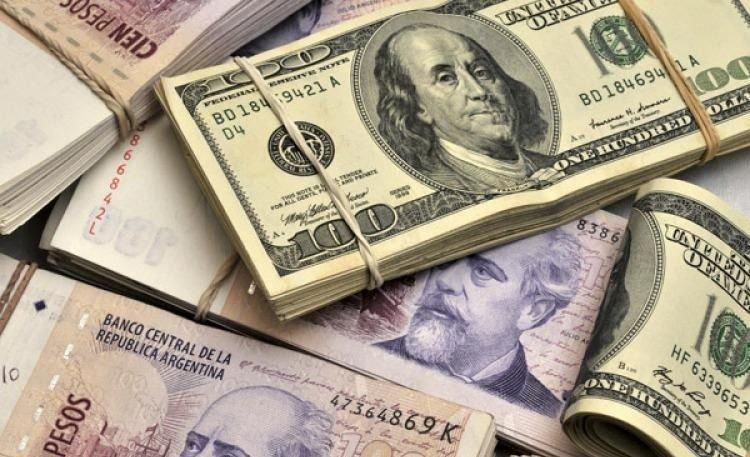 El dólar cerró cerca de los 30 pesos
