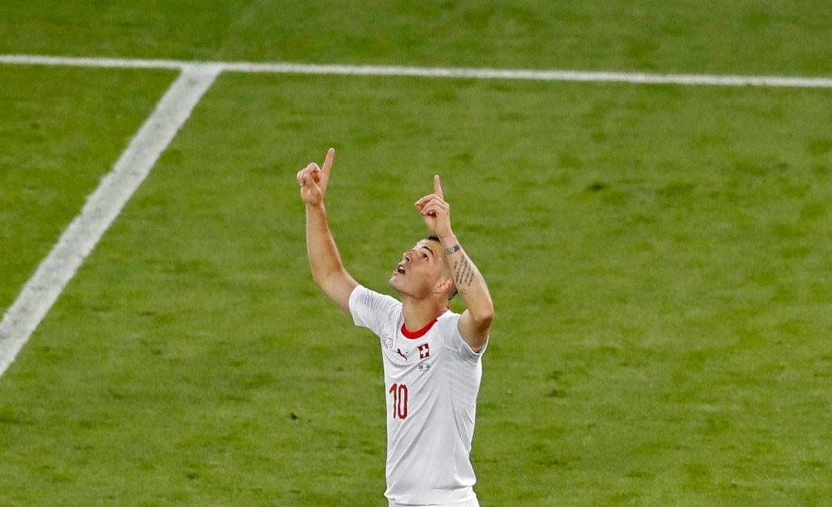 Suiza sobre el final derrotó a Serbia