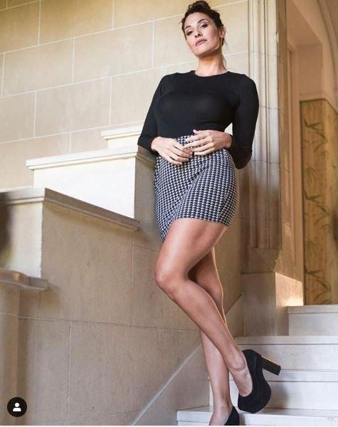 ivana-nadal-secretaria-hot-foto-ejecutiva-piernas-instagram-xxx-video