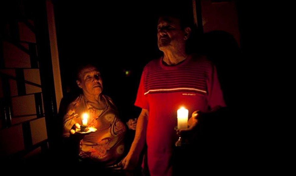 Limitan la potencia eléctrica para prevenir un nuevo apagón nacional