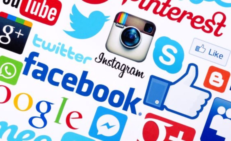 Las 50 celebridades más adictas a las redes sociales