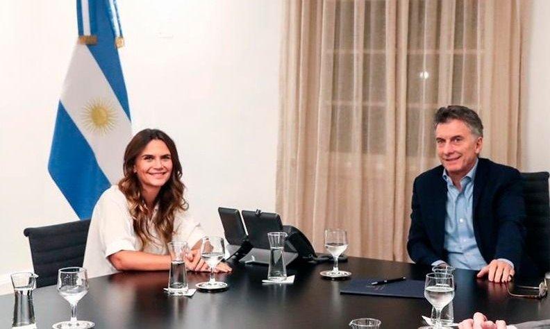 """Amalia Granata después de la reunión con Macri: """"Es pañuelo celeste"""""""