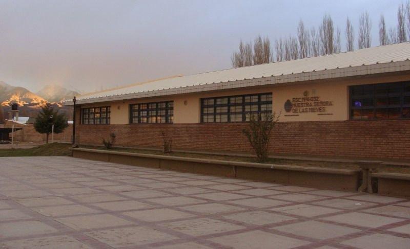 Resultado de imagen para uspallata escuelas