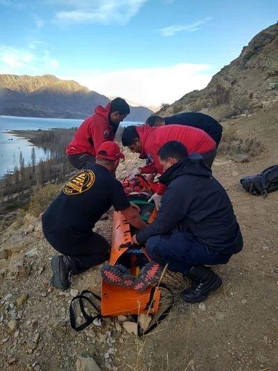 turista-montaña-rescate-policiales-mendoza-hoy-fotos-video