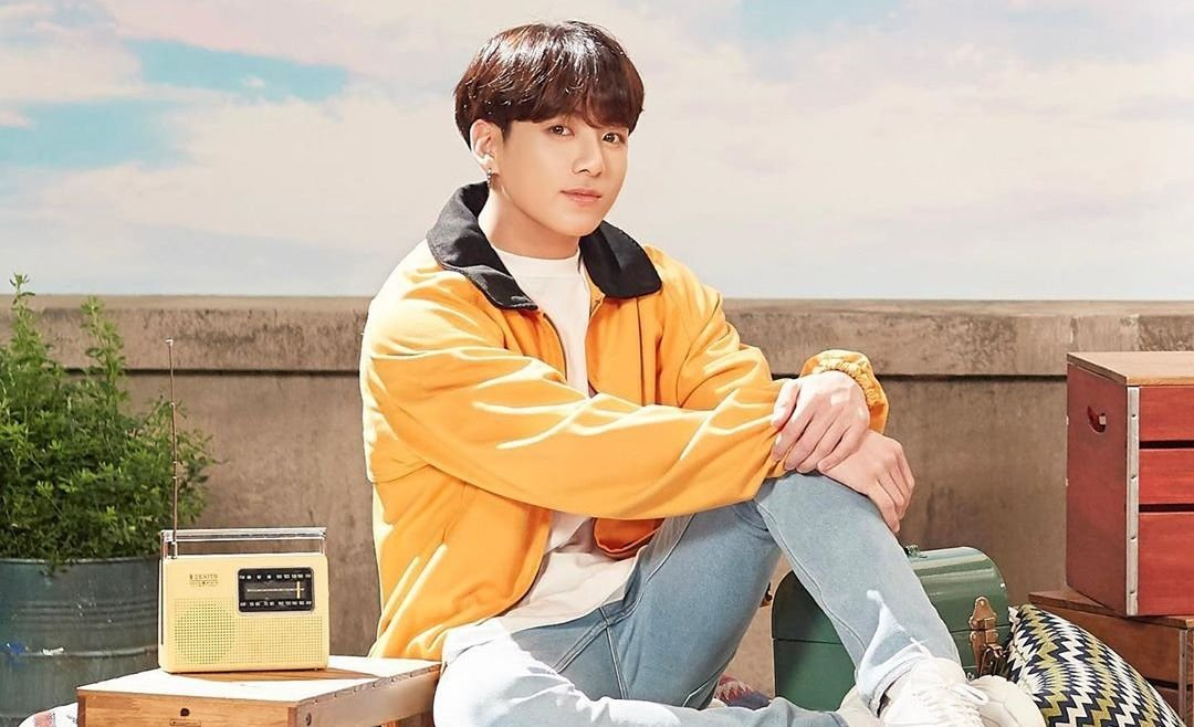 "Jungkook de BTS estrenó su primer single como solista, ""Still With You"""