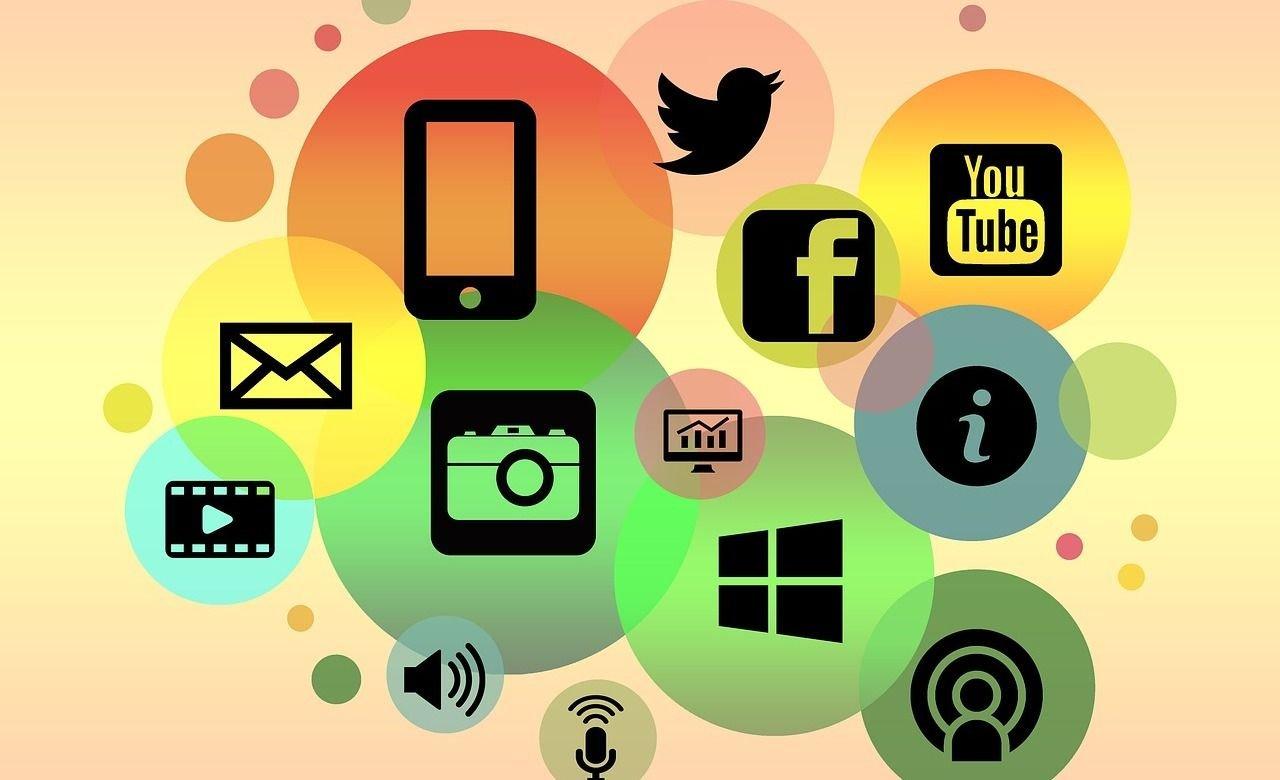 EFEMERIDES | 30 de junio: Día de las Redes Sociales