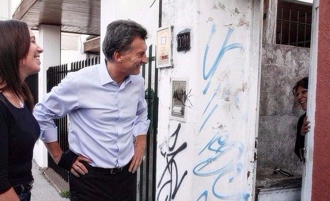 Cambiemos lanzó la campaña con un timbreo encabezado por Macri