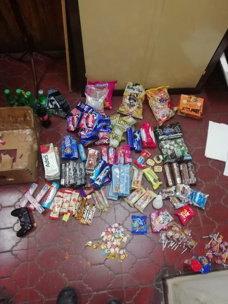 caramelos-robo-escuela-godoy-cruz-menores-policiales-dulces-quiosco