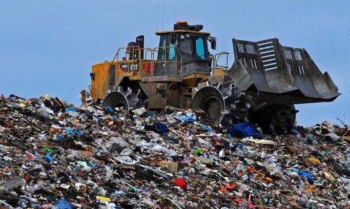 Confirmaron el procesamiento de 47 intendentes por fraudes con residuos