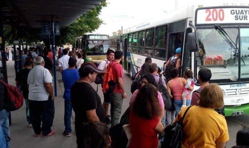 Trasladan las paradas de colectivos de la Terminal por obras en Costanera