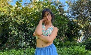 Camila Cabello enseñó su panza y respondió las críticas por su cuerpo