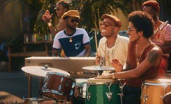 "Silk Sonic, la banda de Bruno Mars, lanzó ""Skate"""