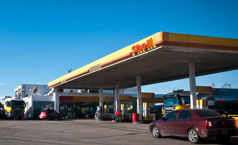 Shell anunció una baja del 2,7% en sus combustibles