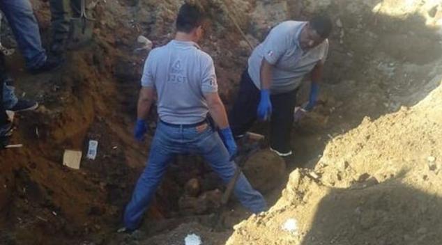 Encuentran 10 cuerpos en una fosa clandestina en Guadalajara