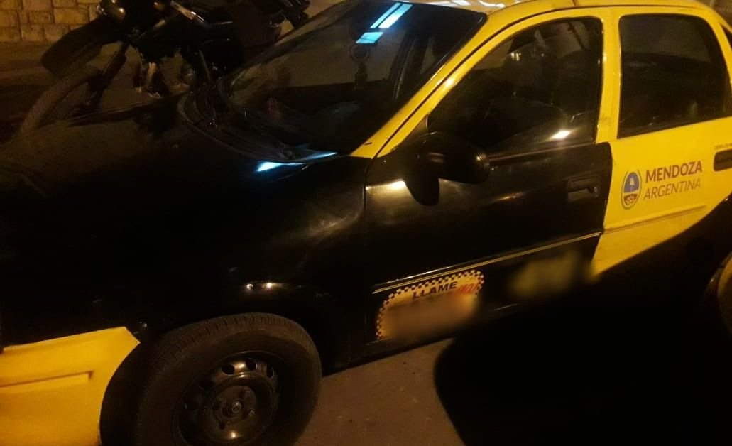 Un taxista trucho participó de un intento de asalto en Guaymallén