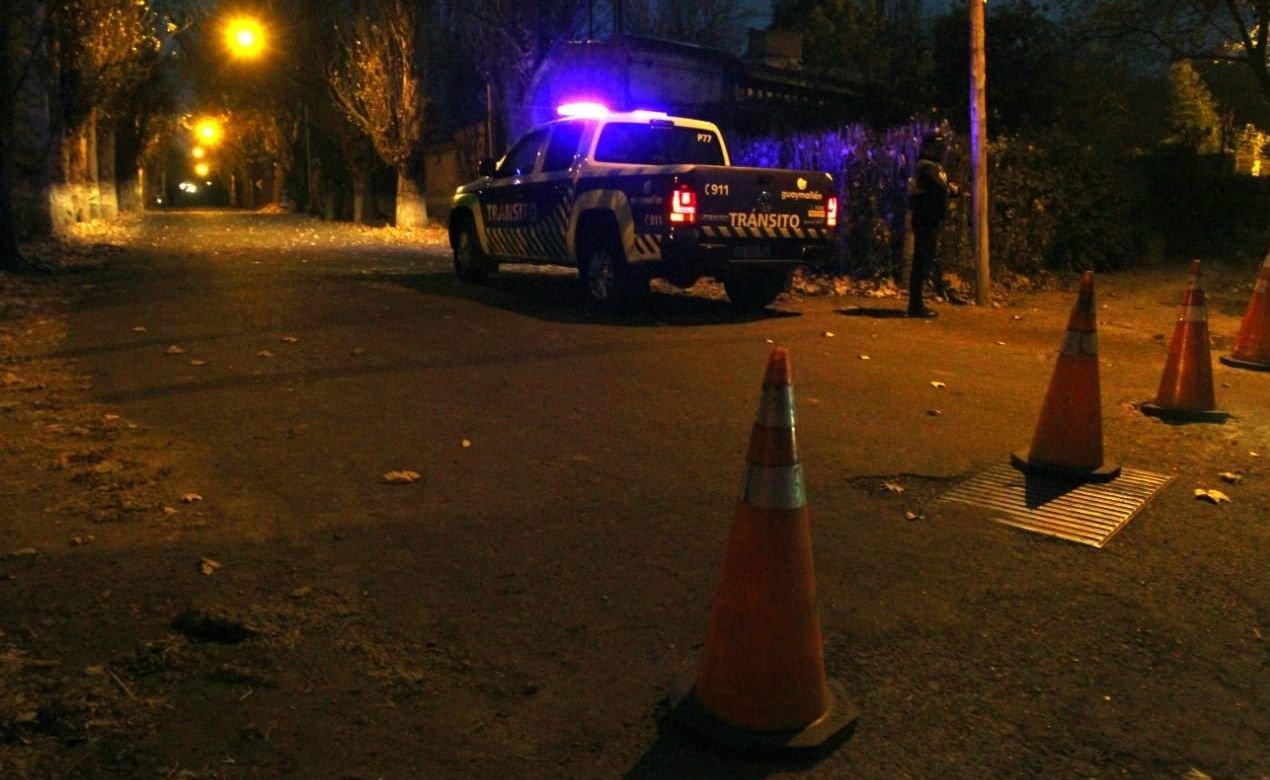 Mendoza: los detuvieron y llevaban una moto robada en el baúl del auto
