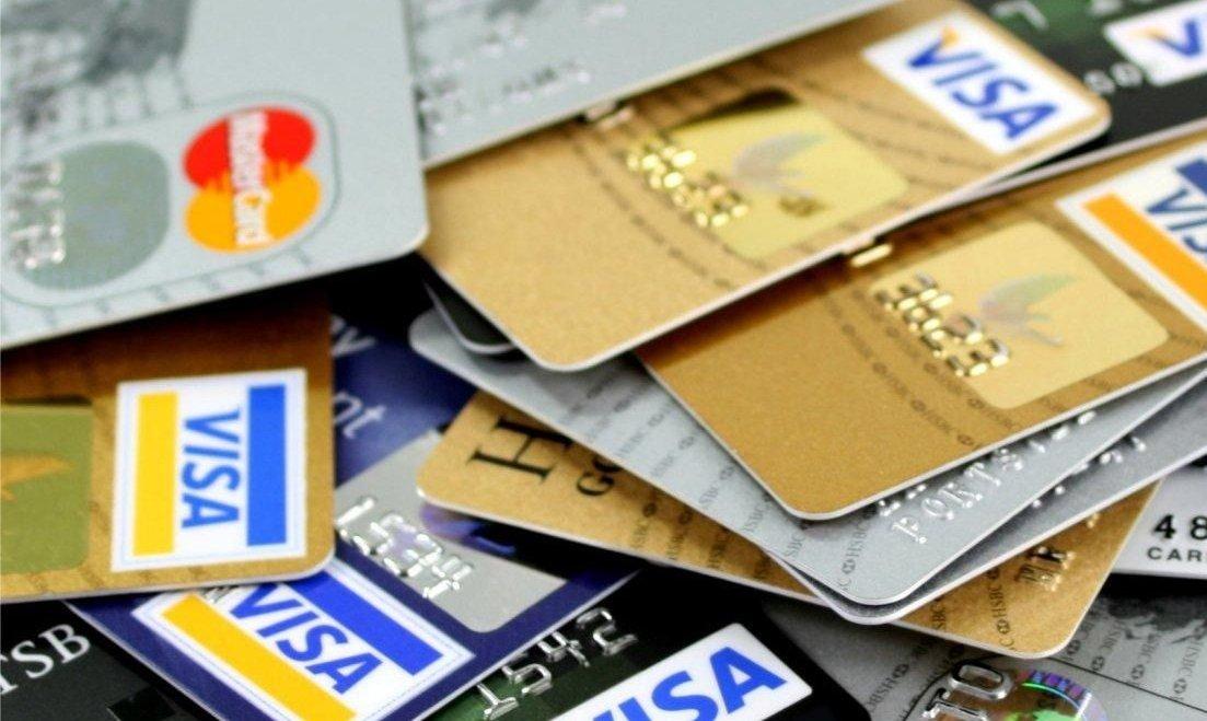 Aumentan las denuncias por deudas con tarjetas de crédito inhabilitadas