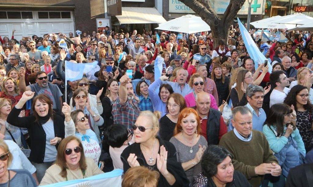Una multitud marchó a favor de Macri en Mendoza y en el resto del país