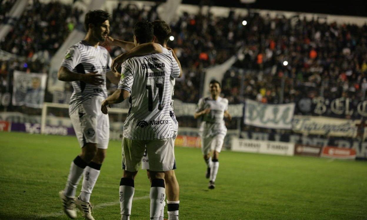 Independiente Rivadavia logró un valioso triunfo frente a Ferro