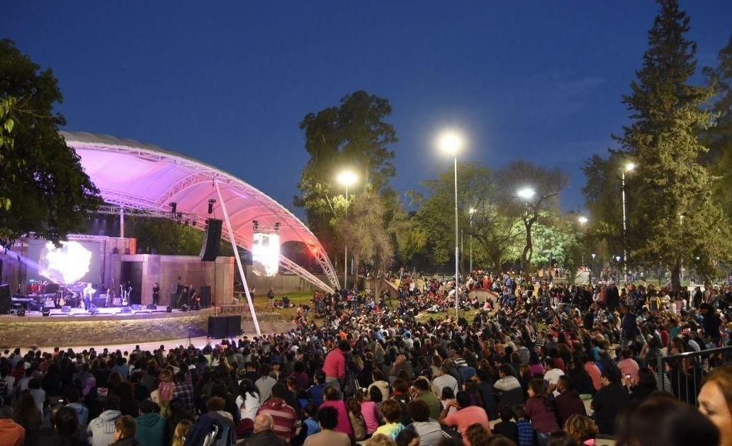 La Ciudad y La Coope festejan el Día del Estudiante en el Parque O'Higgins