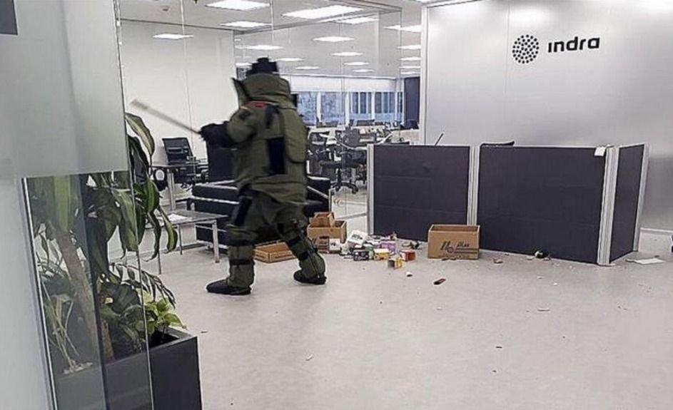 Detuvieron a una pareja por el atentado en la sede de INDRA