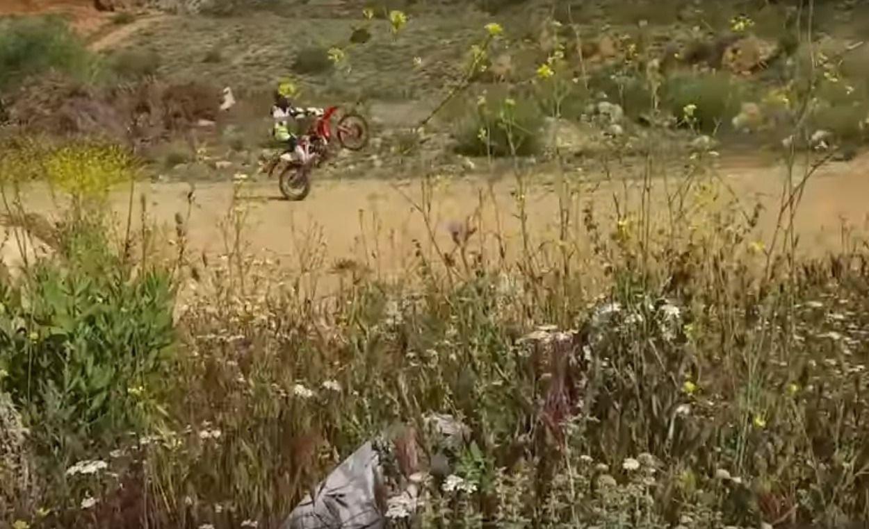 Moto de enduro Honda 250 cc
