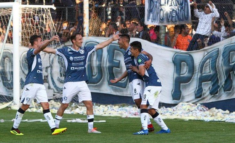 Independiente Rivadavia goleó a Nueva Chicago