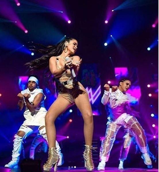 natti-natasha-look-hot-instagram-regueton-cantante-