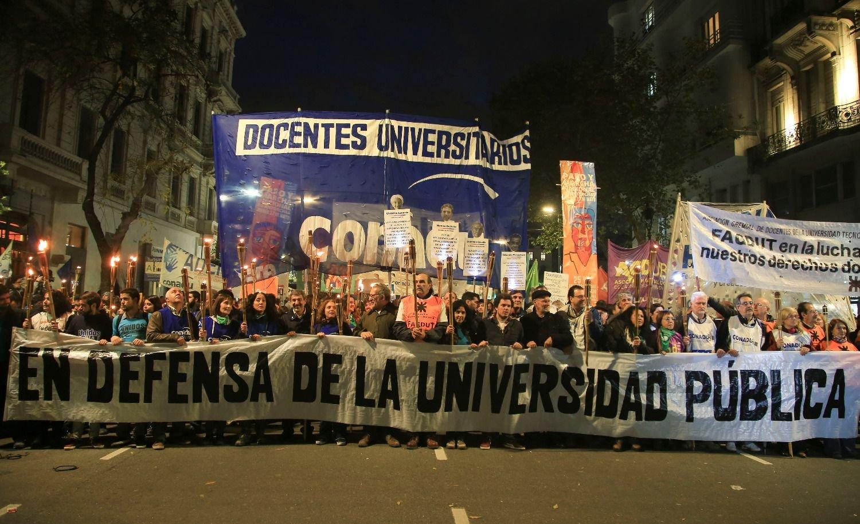 Docentes universitarios anunciaron un paro nacional para el miércoles