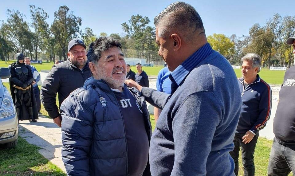 Maradona y Chiqui Tapia firmaron la paz en Estancia Chica