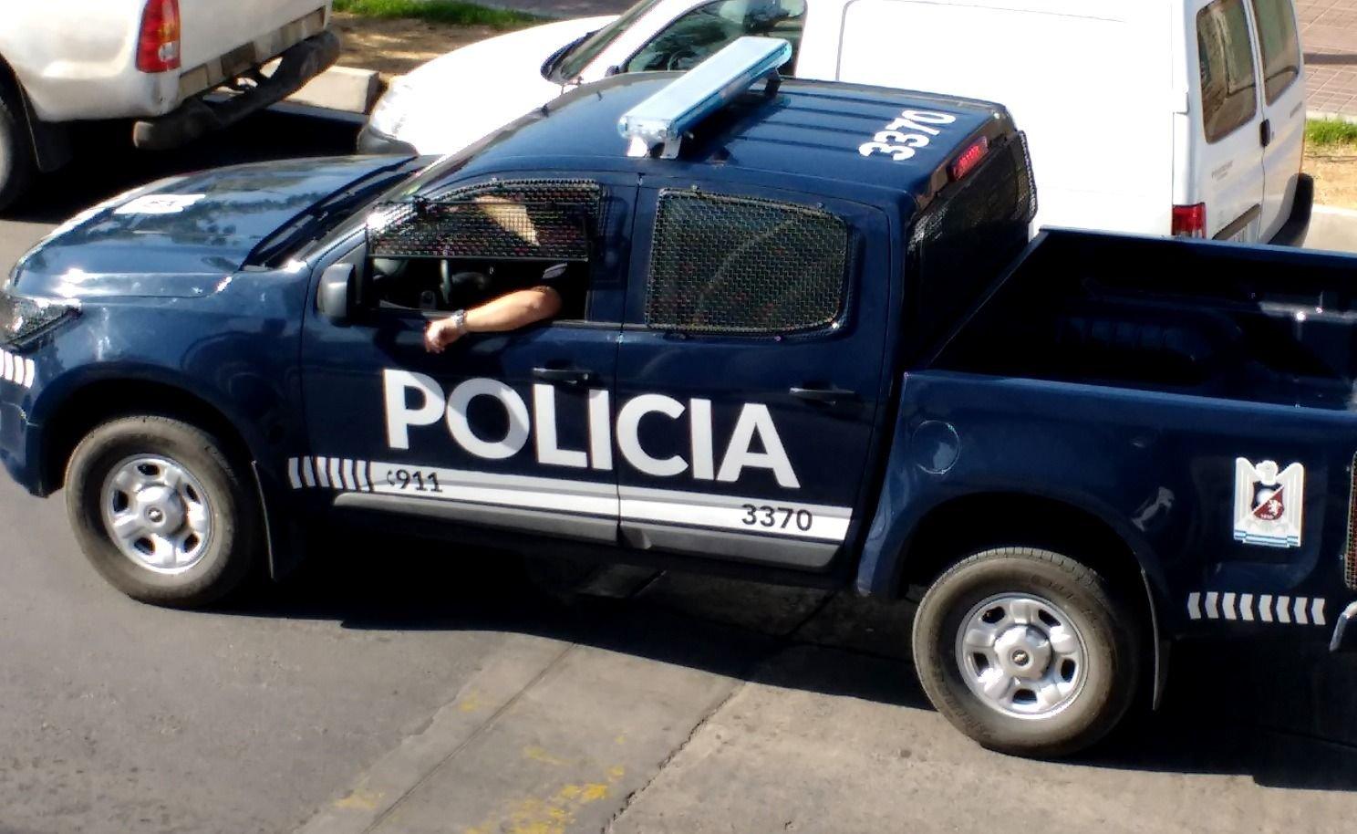 Delincuentes ingresaron a una empresa en Maipú y amenazaron a los empleados