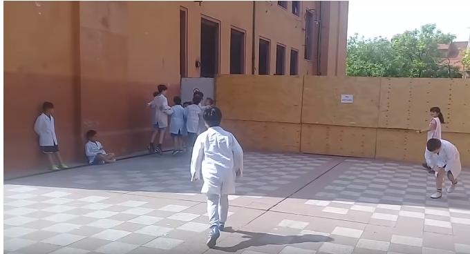 Una docente arengó a sus alumnos al ritmo de ¡viva Perón!