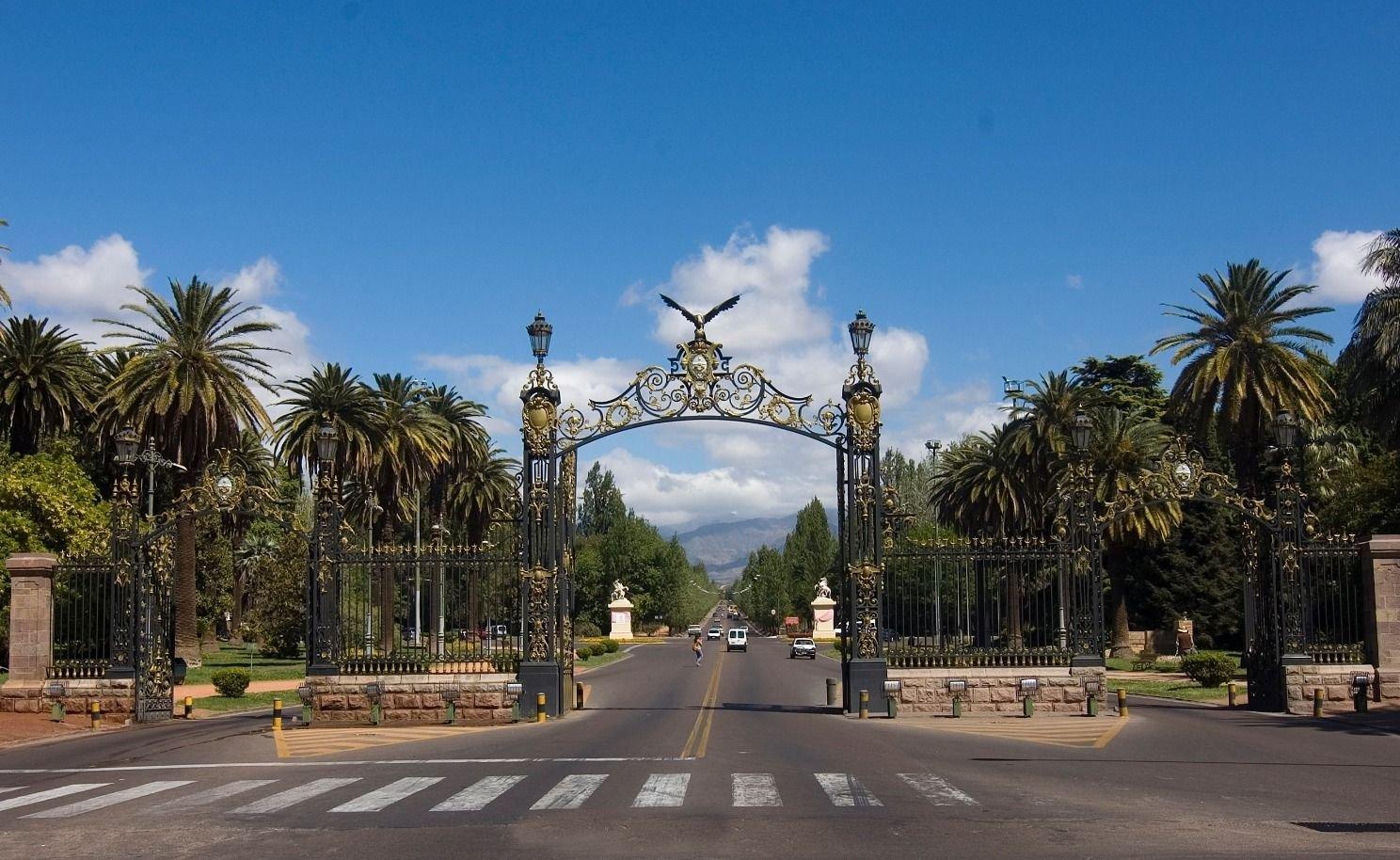 Tiempo en Mendoza: hoy y mañana estará agradable pero se viene un frente frío