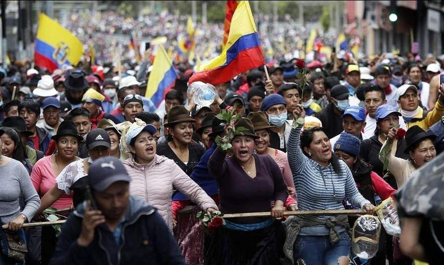 Mediante el diálogo, se levantó temporalmente el toque de queda en Quito
