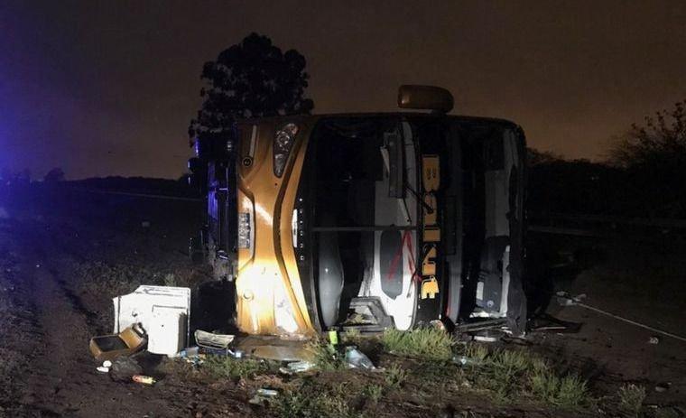 Vuelco fatal en Tucumán: dos muertos y varios heridos