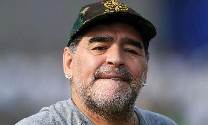 """Diego Maradona: """"Riquelme no puede escuchar ofertas y venderse al mejor postor"""""""