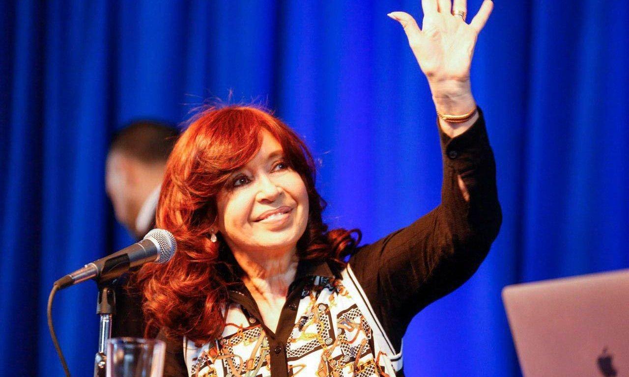 """Cristina en El Calafate: """"Nadie quiere planes, la gente quiere trabajo"""""""