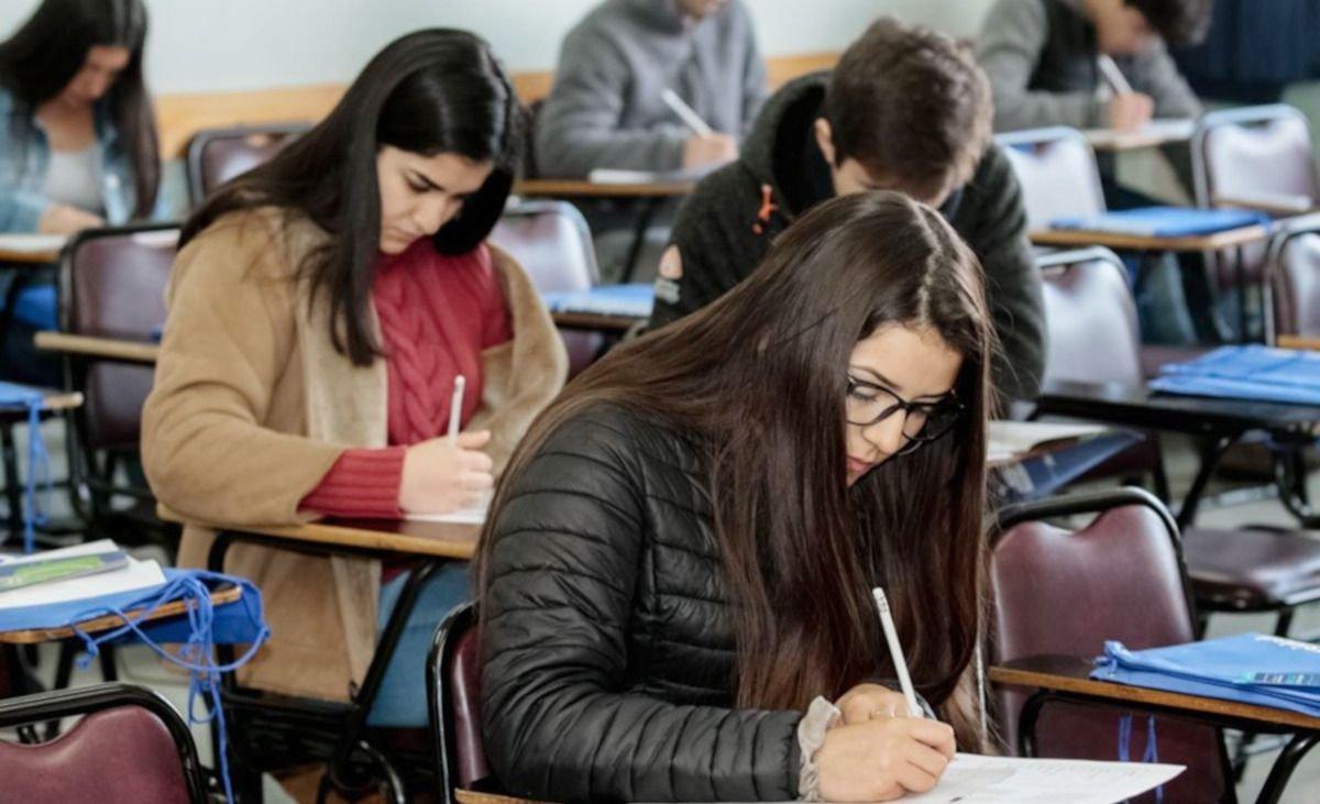 Especialistas reclaman que la educación sea una política de Estado