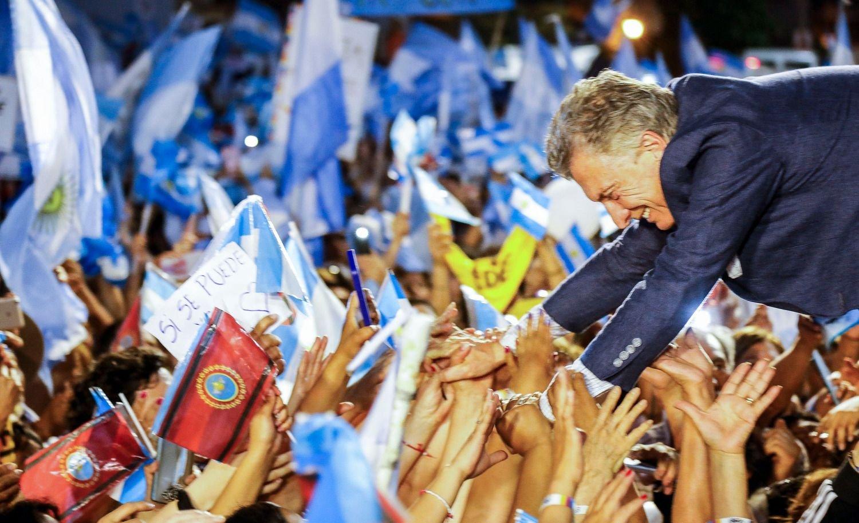 Macri prometió subir a 20 días la licencia por paternidad