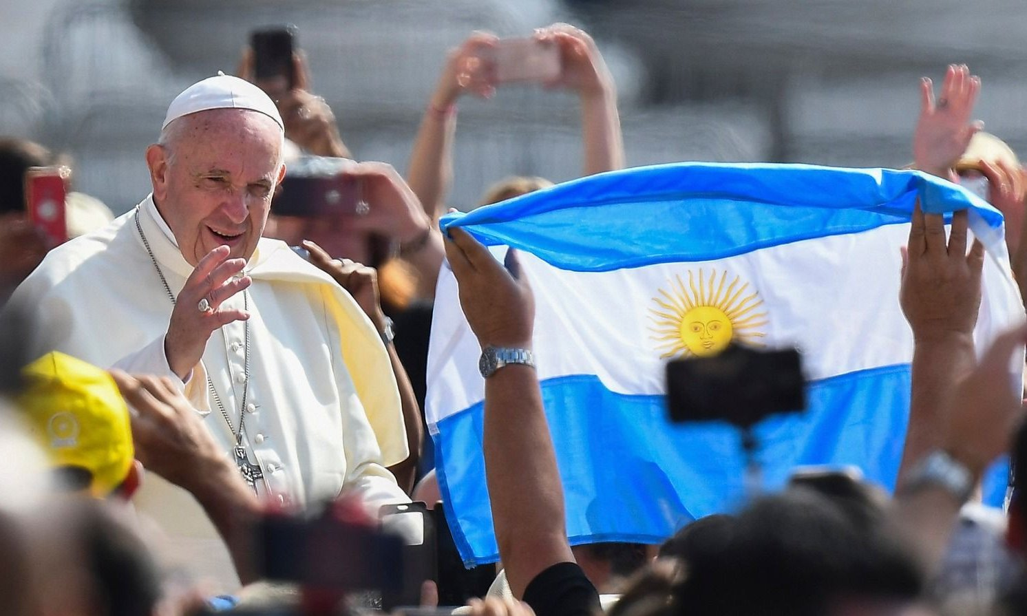 """Papa Francisco: """"Se sigue comiendo poco y mal"""""""