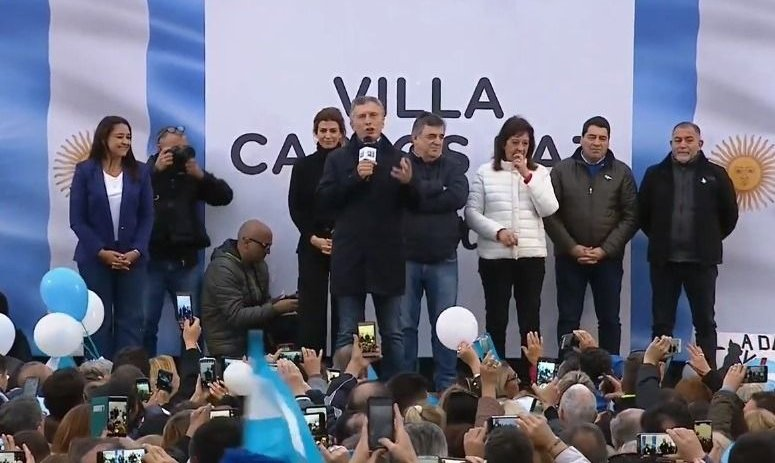 """Macri en Carlos Paz: """"Hay que convencer hasta el último amigo para votar"""""""