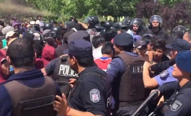"""Para el cónsul de Bolivia en Mendoza, la Policía fue """"agresiva"""""""