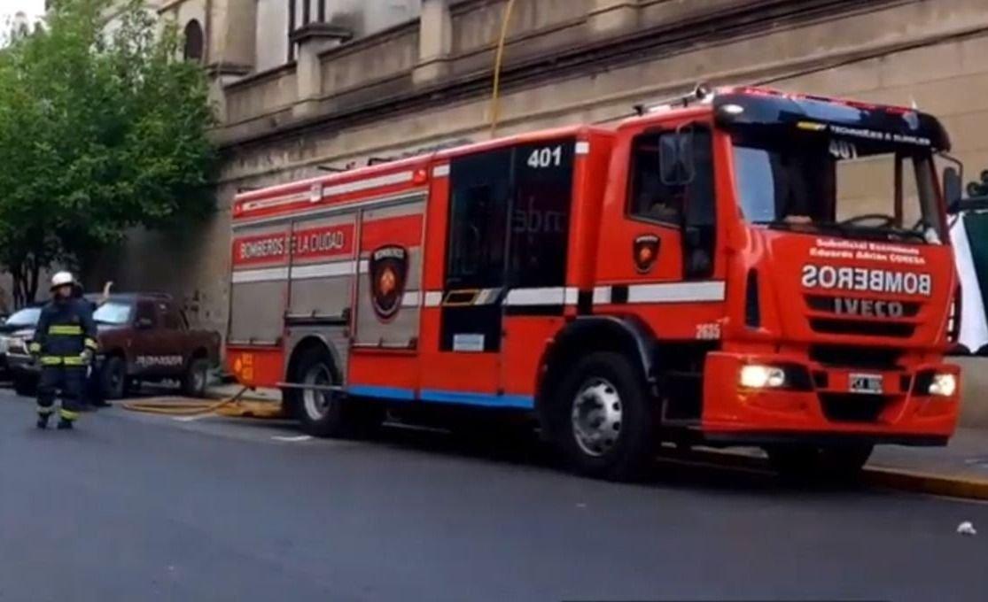 Explotó una bomba en el Cementerio de Recoleta: una mujer herida