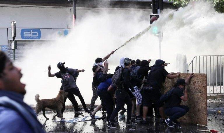 Nuevos incidentes en Chile tras 25 días de violentas protestas