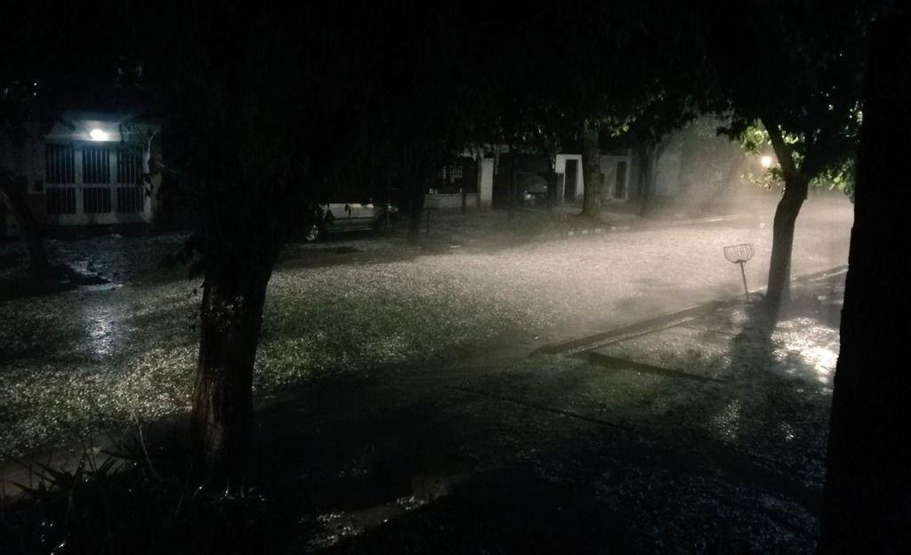 Fuerte tormenta azotó a departamentos mendocinos: volvió el granizo