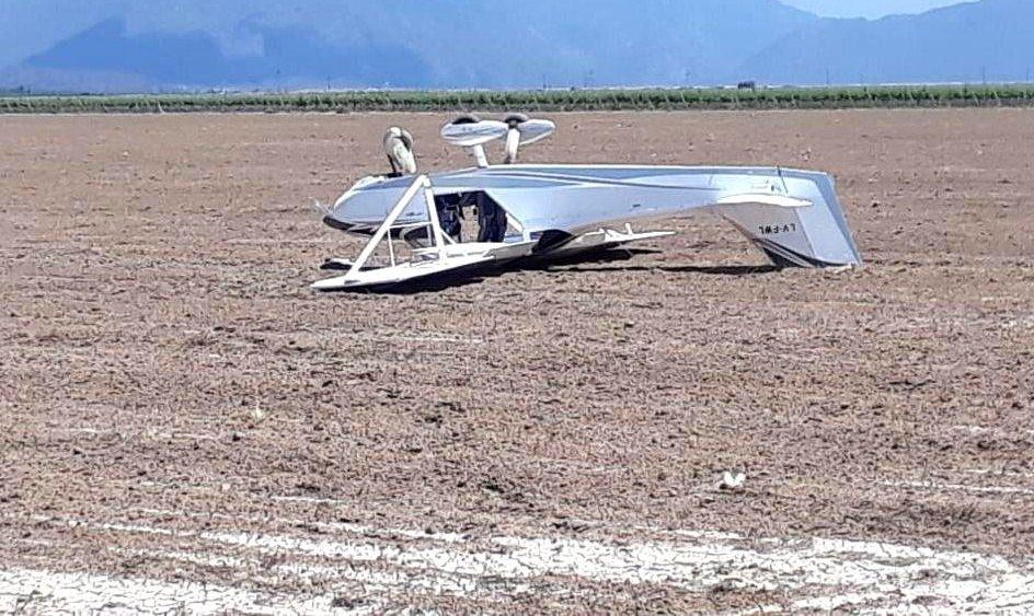 Una avioneta cayó en el interior de una finca en Luján