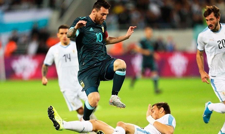 Argentina cerró el año con un empate frente a Uruguay
