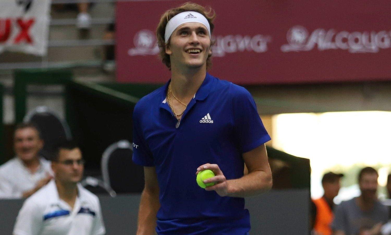 Zverev fue más y venció a un Federer que hizo delirar a todo el público
