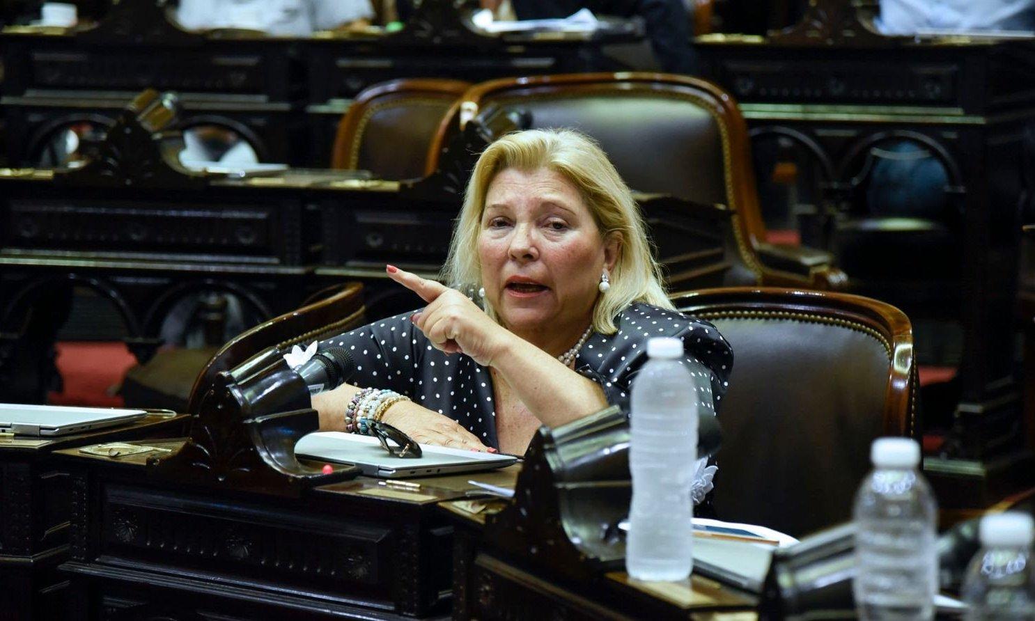 """Lilita Carrió: """"Renuncio a la banca para que nadie se anime a pedirme el desafuero"""""""